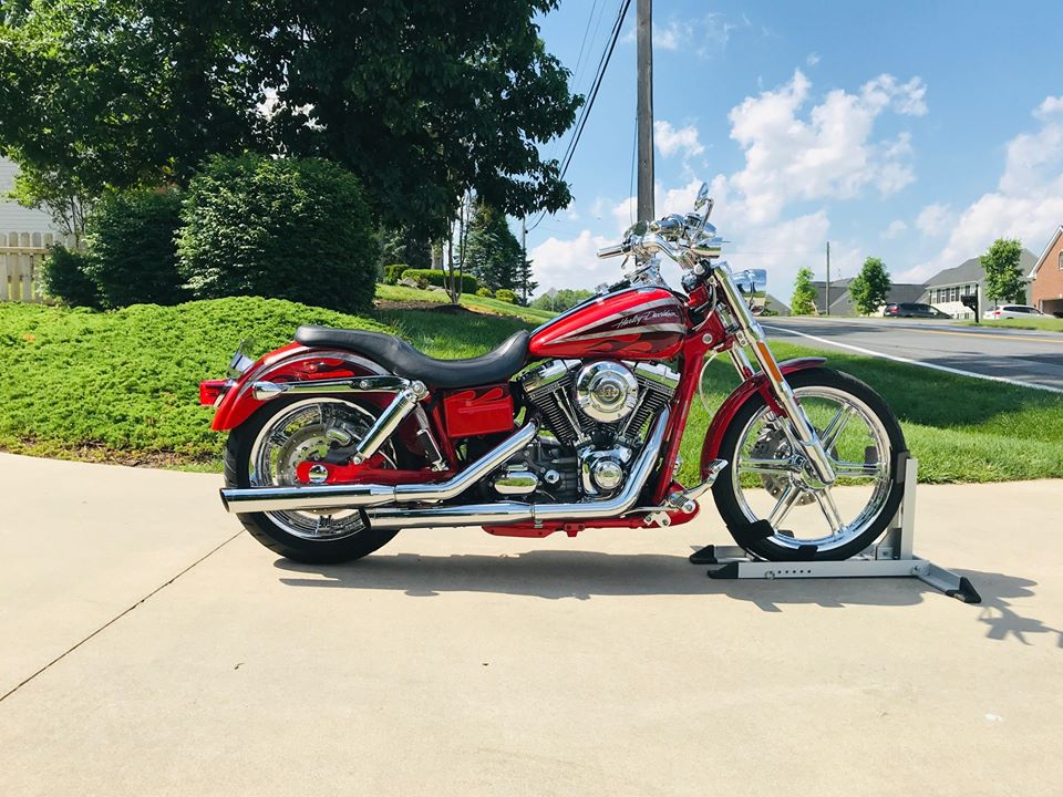 2008 H-D® FXDSE2 / Dyna CVO