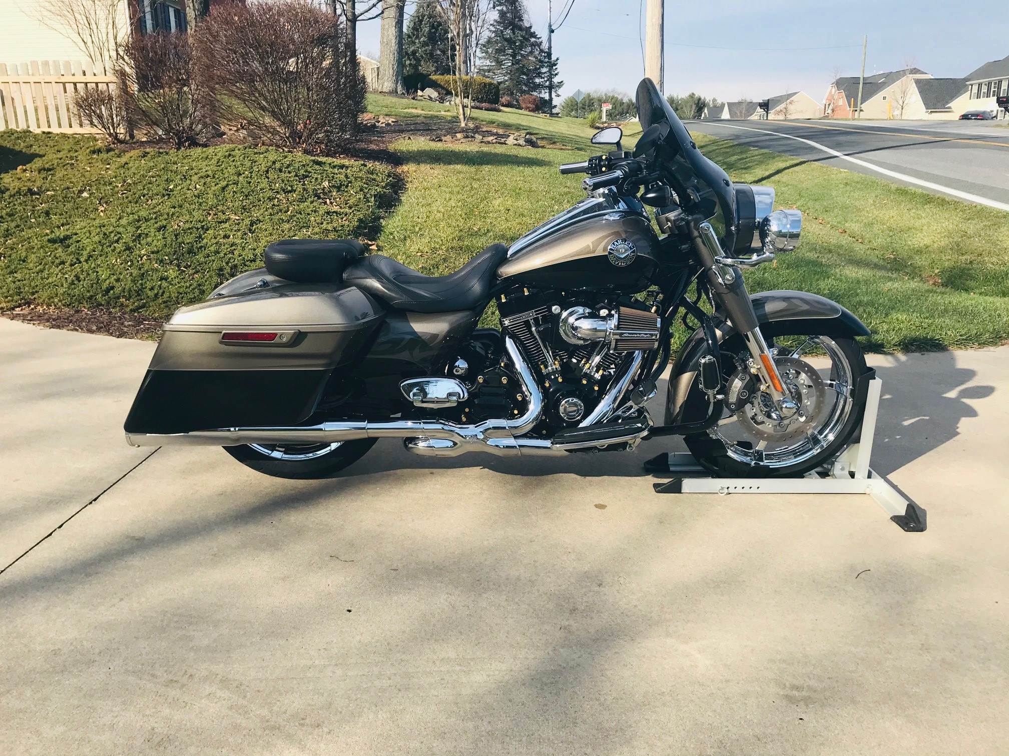 2014 H-D® FLHRSE / Road King CVO